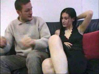 Ovidie sex på en sofa fransk