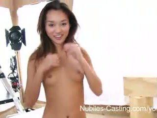 Nubiles キャスティング - squirting アジアの ティーン 本当に wants この 仕事