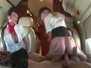 Stewardesses jojimas a customers varpa