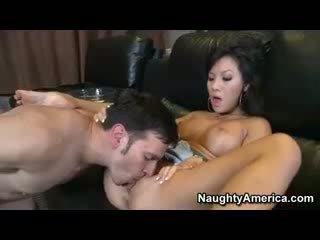 Asiática estrella porno asa akira follada duro y facialized