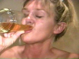 Piss: sherry carter drikking mer gammel piss