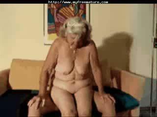 할머니 lilly 입 성숙한 성숙한 포르노를 할머니 늙은 cumshots 사정