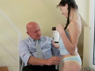 Puikus paauglys fucks labai senas senelis