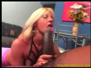 Racy blondinka receives huge boner