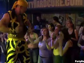 Holky wants na súložiť the armádne dancer