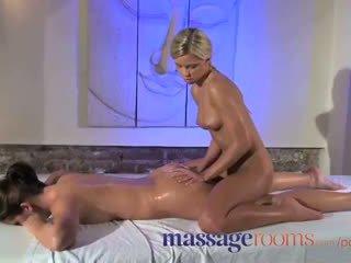 Massasje rooms kllitoris rub til henne orgasme med masseuse