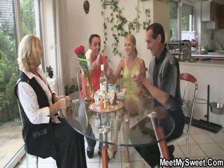 Niesamowite 3 część porno impreza w jej birthday