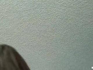Lynn প্রেম grinds তার টাইট ল্যাটিন bawdy cleft উপর rugged ramrod