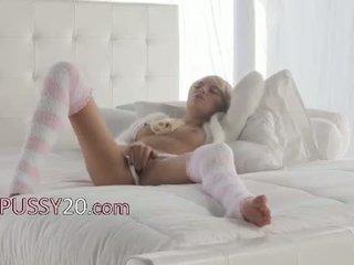 Рус мадама emma mae в секси kneesocks