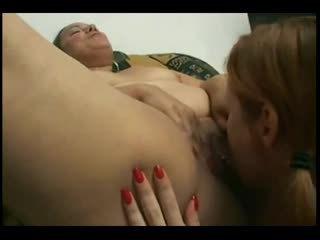 Nagymellű latin getting neki pussy-ass licked által neki leszbikus gf-p1
