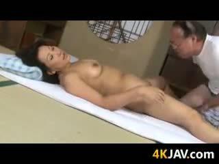 Likainen läkkäämpi japanilainen pari