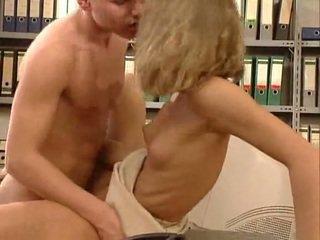 Nemke zelo vroče pisarna seks. lepo hottie