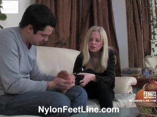 Paulina 和 adam 絲襪 footfuck 電影