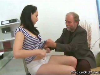 Kolmikko seksi kanssa opettaja