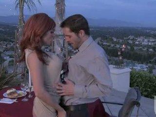 Червен headed приятелка jadra holly gives тя boyfriend an фантастичен орално stimulation