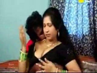 Індійська tamil зріла aunty трахання з її boyfriend