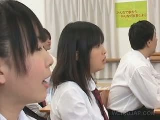 亚洲人 怪异 学校 性别 同 热 titted 学生 teased 硬