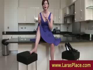 Mini etek bayan takes stranger ev için bir sexxx session