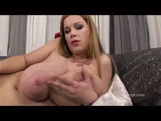 Baloon boobed em bé terry nova rubs cô ấy âm hộ cho đến khi nó cums