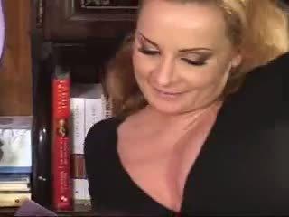 Ina pakikipagtalik may kanya daughter at boyfriend video