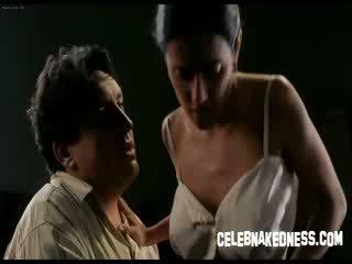 Celebnakedness salma hayek khỏa thân với to ngực trong frida