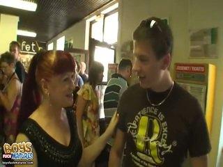 Warga rusia ginger speaks bentuk bentuk bahasa