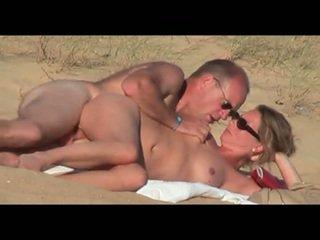 Suaugę lover apie the paplūdimys