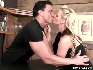 Buah dada besar rambut pirang phoenix marie raw anal
