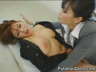 Futanari tastes নিজস্ব কাম!