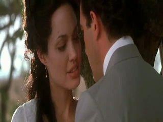 Angelina jolie मूल sin