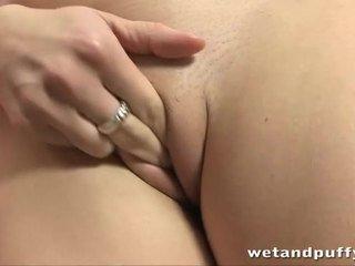 Divine pleasures untuk seksi babe