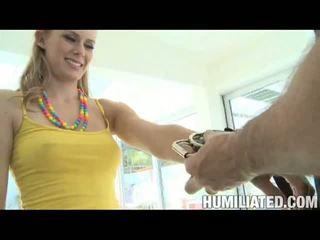 Disgraced 18: cô gái tóc vàng đĩ sunset loses cô ấy ngây thơ sau being tied và gagged!