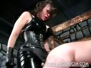 Evil naiset humiliating huono guy