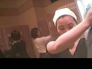 busty tizenévesek edzőteremben, szex a ciciket részben, a konyhában meztelenül, sista a motorháztető videók