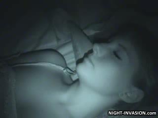 Seksualu lėlė fingered į miegas
