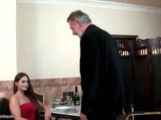 Cathy heaven enjoys pohlaví s starý člověk