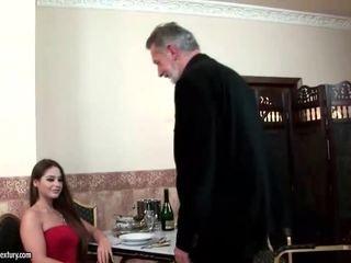 Cathy heaven enjoys szex -val régi férfi
