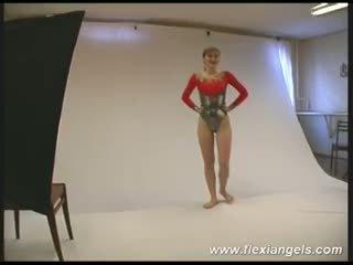 年輕 芭蕾舞女演員 alina