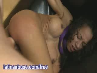 Latina auf ein leash gets gefickt schwer