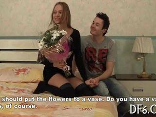 Legal age teenager widens virgin legs