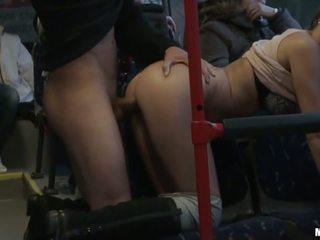 Аматьори уличница gets banged трудно в на автобус