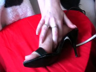 Footjob cum shoes Video