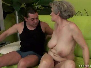 Uly emjekli garry mama enjoys ýigrenji sikiş