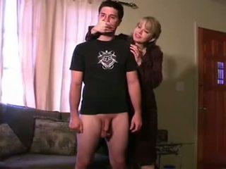 處罰 由 step-mom 和 neighbour