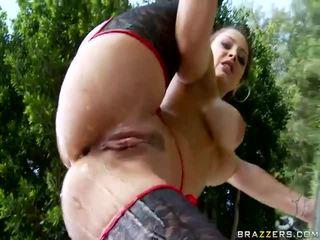 فتاة getting لها كبير الحمار مارس الجنس