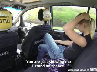 Tschechisch taxi - blond teen gets fahrt von sie leben