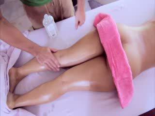 Pornstar enjoys a sexy rubbing down