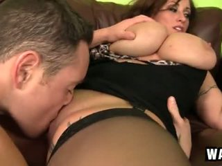 Incredibly large dhadhane on the sexy cougar slut eva notty
