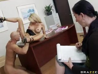Sluty White Doxy Holly Sampson Feels The Lustful Thick Dick SliDing In Her Twat