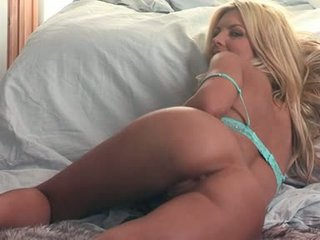Sexy And Nude Tommie Jo Is Teasing Everyone's Imagination And Likes It